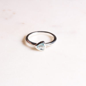 Triangel Ring Blautopas Silber