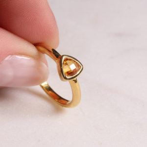 Citrin Ring Triangel Gold