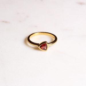 Granat Ring Triangel Gold