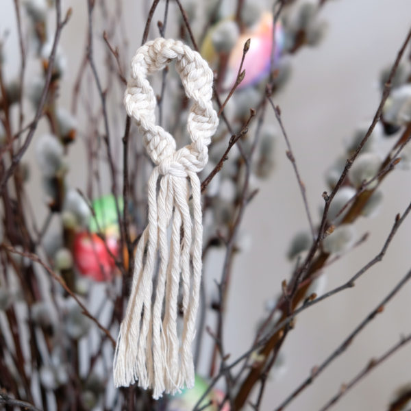 The Hanging Yarn Anhänger Makramee